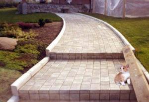 Как правильно укладывать тротуарную плитку на даче