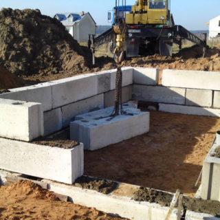 Фундаментные блоки: виды, изготовление, установка