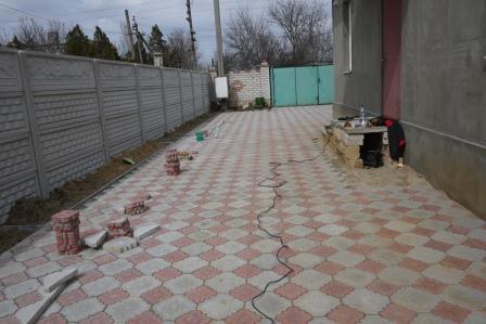 Плитка тратуарная на дворе фото