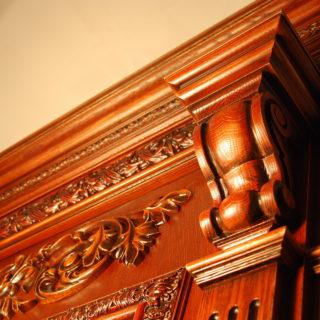 Преимущества использования деревянных карнизов